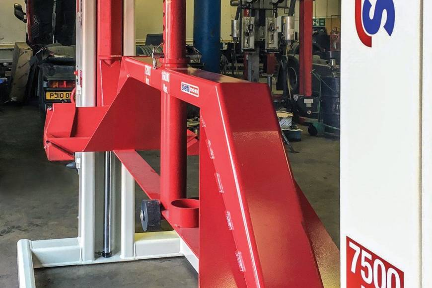 Stertil Wireless Mobile Column Lifts
